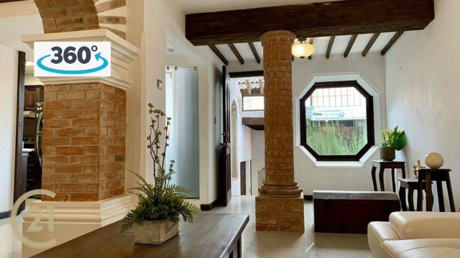 House For Sale in Town / Antigua Guatemal