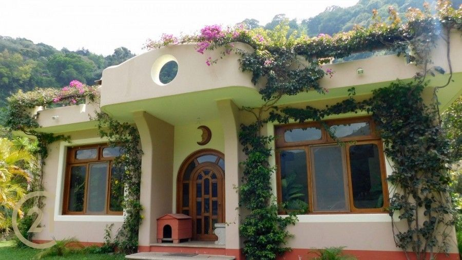 Spectacular, 3-Bed Home with Huge Garden & Views For Sale close to Pana