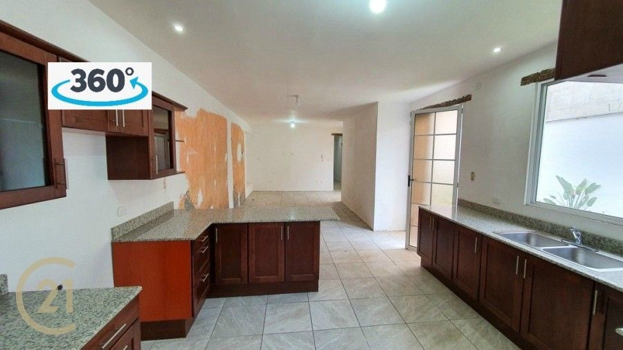 4 Bedroom Home and Commercial Space