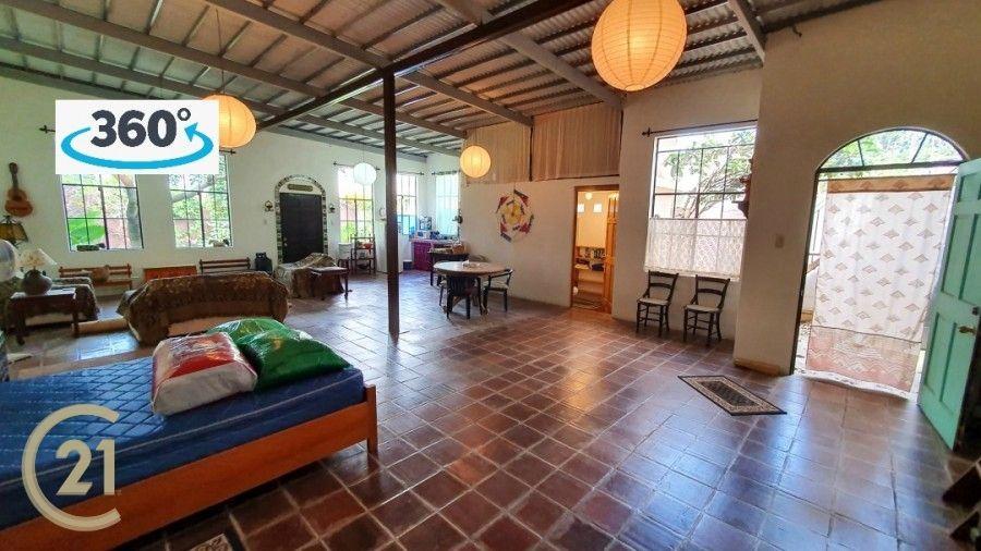 Casa de una habitación grande más un apartamento separado en Antigua