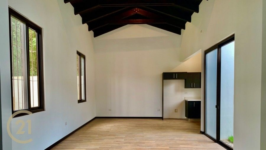 Casa de 3 dormitorios para estrenar en el area del Calvario.