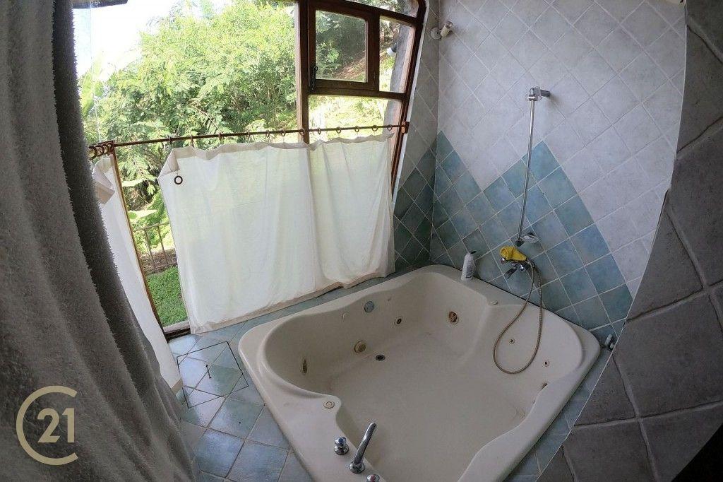 LTPH Master Bathroom 1-0