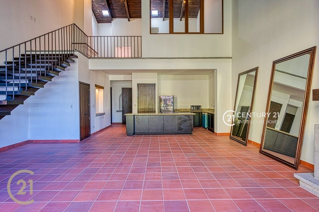 2 Bedroom Loft Condo - Gated Community