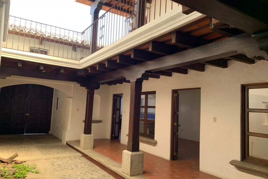 House For Sale in la Cupula 4 Bedrooms