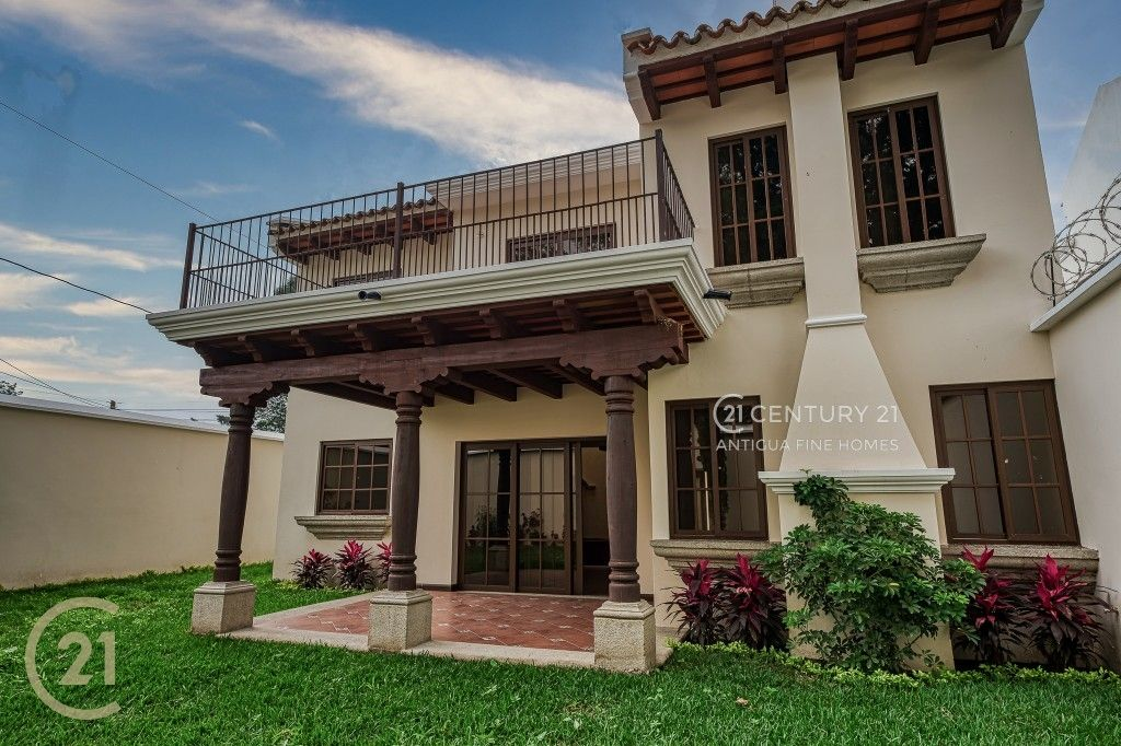 4 Bedroom Home For Sale in San Pedro el Alto