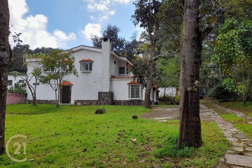 Large Land with 3 Houses in San Lucas Area