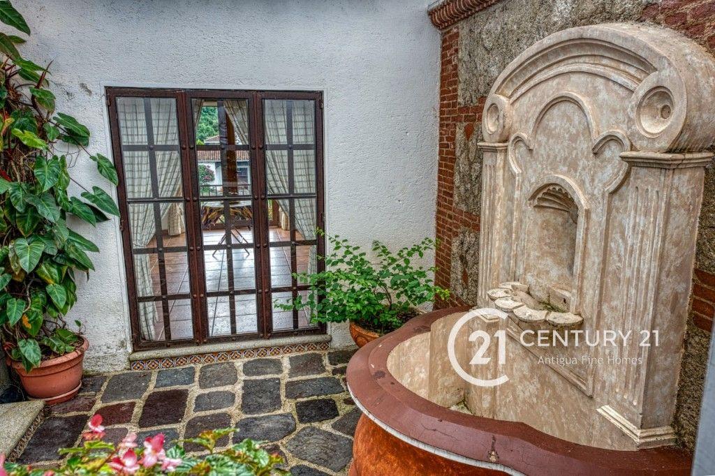 Beautiful Two Bedroom Villa in Santa Ines