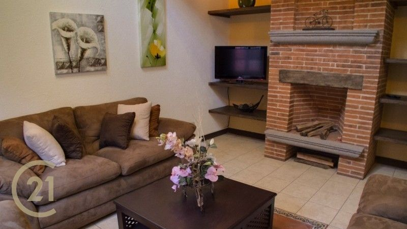 Las Clarisas - 3 Bedroom Home