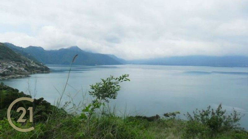 Large Lot with Lake View right outside San Antonio Palopo