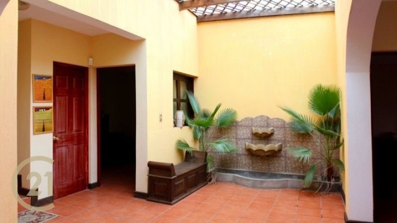 Home For Sale in Ciudad Vieja