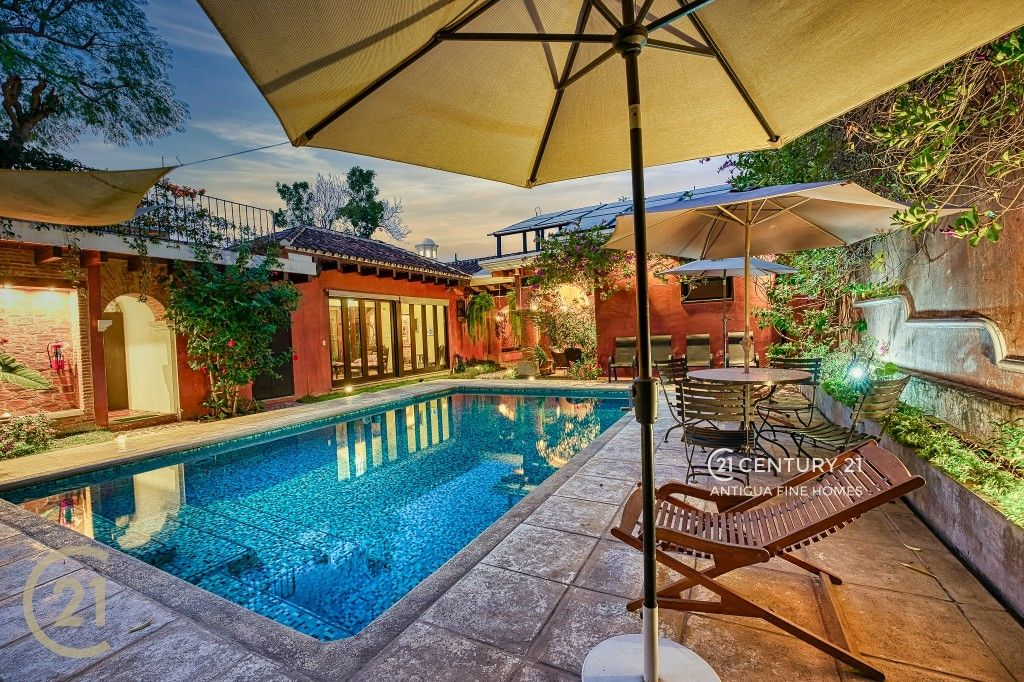 Colonial Masterpiece - Central Antigua Location