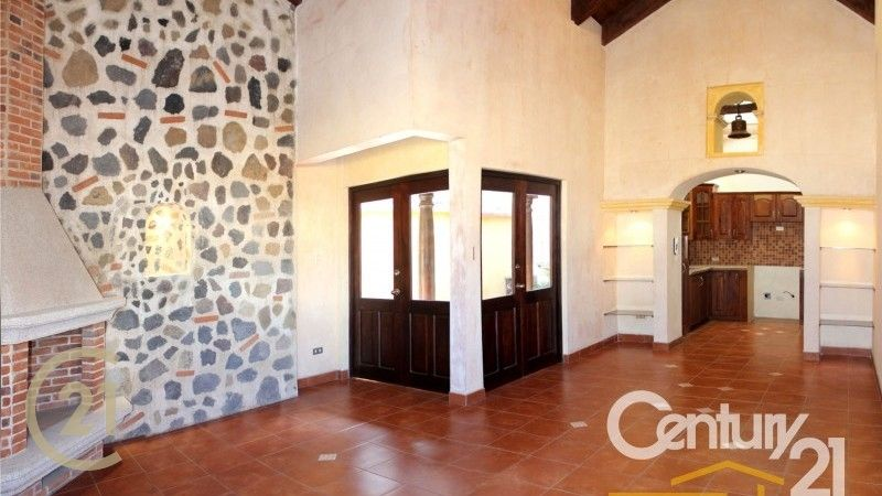 Brand New Home For Sale / Minutes from Central Antigua