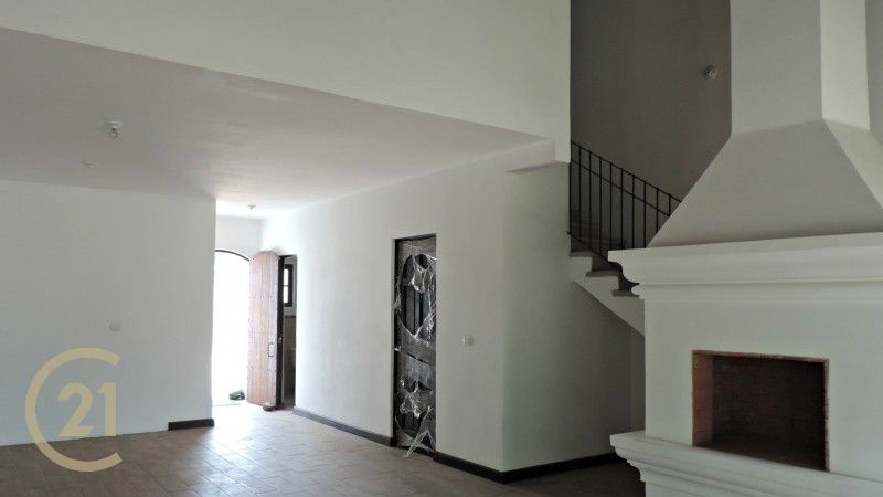2 & 3 Bedroom Lofts / Gated Community