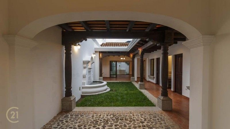 3 Bedroom House for Sale in La Azotea