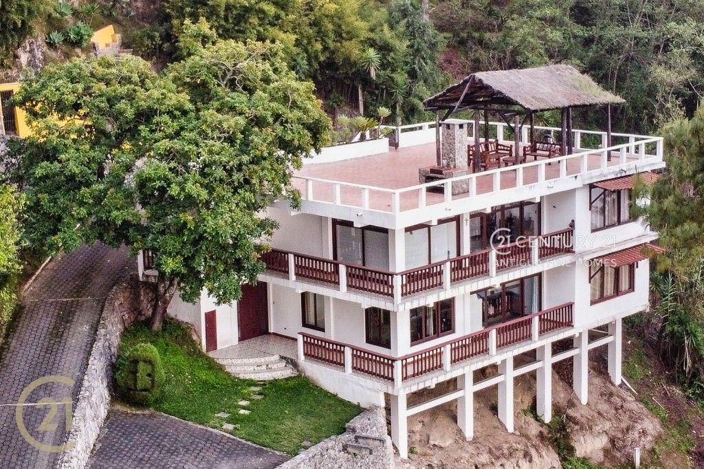 4 Bedroom Family Home  - Casa Joya