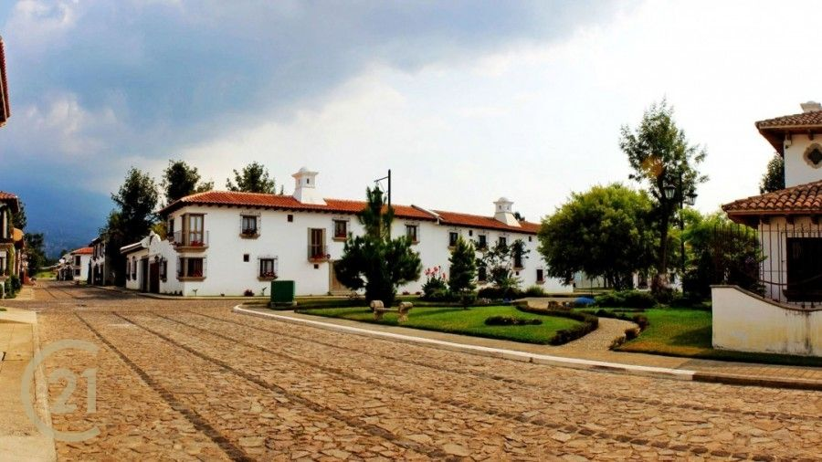 House For Sale In Portal de Antigua!